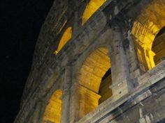 Colosseu... Italiy.