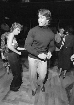 Arnold Schwarzenegger dancing at Studio 54 | Rare and beautiful celebrity photos