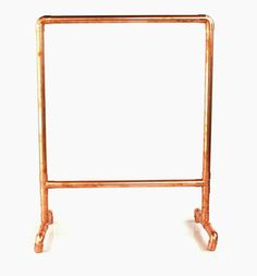 How to make a simple frame loom. (PVC frame for lightness and lower cost, copper feet for stability? Weaving Loom Diy, Loom Craft, Tablet Weaving, Weaving Textiles, Tapestry Weaving, Free Standing Wall, Copper Frame, Backdrop Stand, Braided Rugs