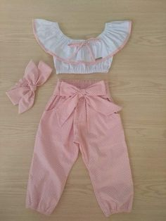 Vestidos para niñas e granola bar - Granola Little Girl Outfits, Kids Outfits Girls, Little Girl Dresses, Girls Dresses, Baby Girl Fashion, Fashion Kids, Baby Dress Patterns, Cute Baby Clothes, Baby Sewing