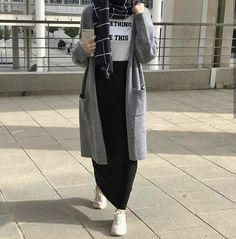 Modest Fashion Hijab, Modern Hijab Fashion, Street Hijab Fashion, Casual Hijab Outfit, Hijab Fashion Inspiration, Hijab Chic, Muslim Fashion, Hijab Dress, Ootd Hijab