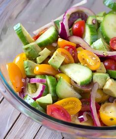 Avocado Cucumber Tomato Salad with Balsamic Vinaigrette – The perfect bright & fresh Summer Salad! This salad makes a great side dish that is full of yummy summer vegetables. Avocado Tomato Salad, Avocado Salat, Cucumber Salad, Spinach Salad, Fresh Fruit Salad, Fruit Salads, Healthy Salad Recipes, Summer Salads, Soup And Salad