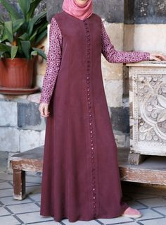 SHUKR USA   Embroidered Sleeves Gown