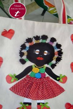 Bolsas de tecido nega maluca   Telma artesanatos   7AC23 - Elo7 African Quilts, African Crafts, Baby E, Africa Art, Black History Month, Embroidery Applique, Minnie Mouse, Disney Characters, Fictional Characters