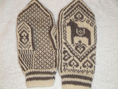 Free Dala Horse Mittens Knitting Pattern and Tutorial by Wenche Roald