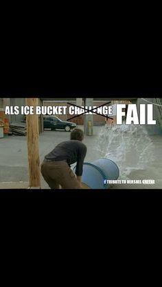 TWD // Carol fails the ice bucket challenge The Walking Dead 3, Divergent, Zombies, Fails, Movie Tv, Bucket, Challenge, Geek, Lol