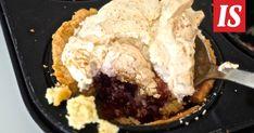Sikke Sumari valmisti ihanan jälkiruoan, johon voi upottaa esimerkiksi viimekesäisiä hilloja. Tämä herkku tekee taatusti kauppansa. Recipies, Ice Cream, Cooking, Desserts, Food, Mashed Potatoes, Ethnic Recipes, Dessert Ideas, Food Food