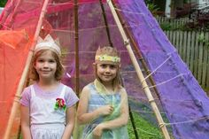 How to make simple flower crowns for kids with paper bags, duct tape, and fresh flowers. This fun craft doubles as a pretend play accessory for children! Simple Flower Crown, Simple Flowers, Nature Crafts, Fun Crafts, Crown For Kids, Spring Crafts For Kids, Duct Tape, Activities For Kids, Flower Crowns