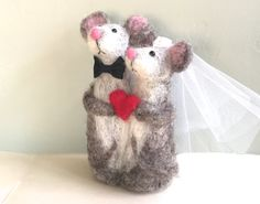 Hey, I found this really awesome Etsy listing at https://www.etsy.com/listing/242884218/needle-felted-mouse-wedding-cake-topper