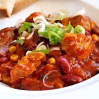 Recept : Vepřové kousky v pikantních fazolích | ReceptyOnLine.cz - kuchařka, recepty a inspirace Curry, Pork, Ethnic Recipes, Sweet, Kale Stir Fry, Candy, Curries, Pork Chops