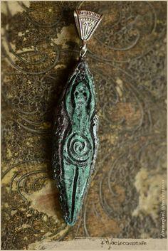 Spiral goddess pendant  handsculpted in modelling by Vocisconnesse