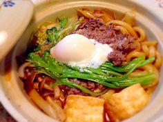 「熱々!牛肉すき焼きうどん温玉のせ一人鍋」gatugatuです。「煮物料理を高速で作る方法」を伝授します。これを実行すれば、調理時間10分、15分は必ず短縮で…