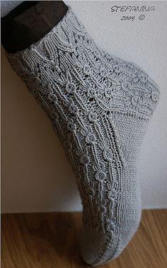 Perle sock foot by stefanina, via Flickr Free pattern ... fingering wgt