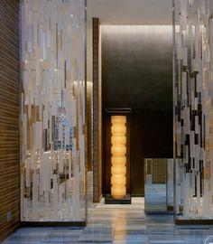 10 Trendy Hotel Interior Design by Yabu Pushelberg that you Must Know Glass Design, Door Design, Wall Design, Entrance Design, Main Entrance, Partition Design, Glass Partition, Casa Loft, Yabu Pushelberg