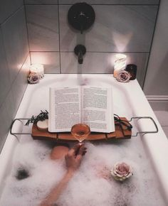 This bubble bath looks like hygge heaven! The perfect way to relax after a long day. Wc Decoration, Bath Recipes, Decoration Inspiration, Relaxing Bath, House Goals, Spa Day, Bath Time, Hygge, My Dream Home