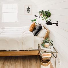 You belong to these groups people that rarely care about glamour and over-the-top designs for your home, then this is definitely your current cup of joe. Check out this post for 20 diy home decor ideas on budget. Bedroom Inspo, Room Decor Bedroom, Bed Room, Bedroom Ideas, Ikea Bedroom, Bedroom Small, Master Bedroom, Home Design, Interior Design