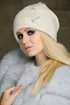Charm шапка - купить оптом с доставкой по Москве и России. Примеры фото и разнообразие цветов!