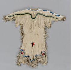 Blackfoot dress.  Canadian Mus. Hist.  ac