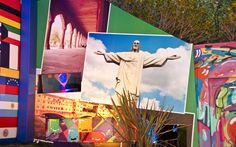 Pontos turísticos de vários países decoram os painéis do jardim