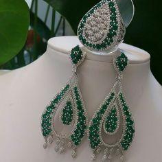 Linha festa.....lindo conjunto no rodio branco c/ zircônias verde esmeralda....  TÂNIA SEMI-JÓIAS..... Enviamos p/ td Brasil......