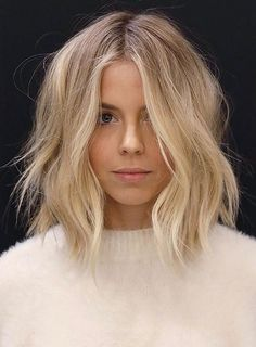 This cut is one of the most popular trend of 2018. try it on your next appointment to the salon.