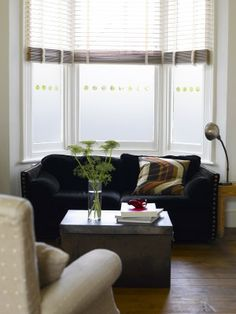 Bay window with glass film pattern