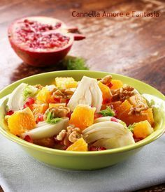 Pomegranate oranges and walnuts fennel salad - wellness recipe Raw Food Recipes, Italian Recipes, Salad Recipes, Cooking Recipes, Healthy Recipes, Antipasto, Food Humor, Light Recipes, Vegetable Salad
