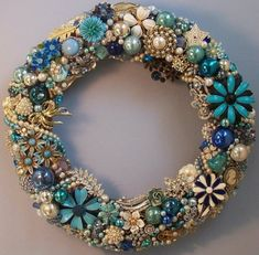 BLUE & WHITE JEWEL WREATH WITH PERLSS