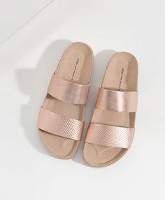 Sandale mit doppeltem Metallic-Riemchen - OYSHO