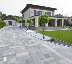 Circle Driveway Landscaping, Front Garden Ideas Driveway, Driveway Design, Patio Design, Small House Design, Dream Home Design, Egyptian Home Decor, Front Yard Decor, Outside Patio