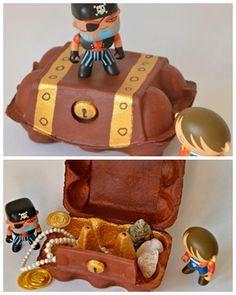 création d'un coffre de pirate !!  boite à œuf + feutres ou peintures. Simple à réalisé