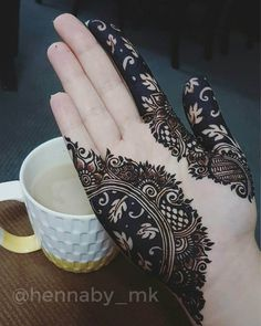 Black henna classic pattern before after henna by @hennaby_mk