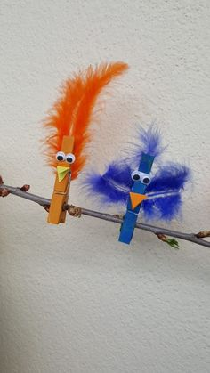 DIY - Basteln & selber machen Crafting tip: Colorful birds made of clothespins - dorfmama. Kids Crafts, Summer Crafts, Toddler Crafts, Easter Crafts, Diy And Crafts, Arts And Crafts, Fall Crafts, Christmas Crafts, Colorful Birds