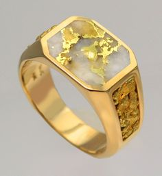 Gent's Gold Quartz Ring with Natural Gold Nugget side panels