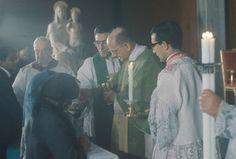 El 21 de noviembre de 1965 el beato Pablo VI bendijo la imagen de Nuestra Señora del Amor Hermoso, en el oratorio de ELIS, un centro de formación profesional que la Santa Sede encomendó al Opus Dei, en una zona marginal de Roma.
