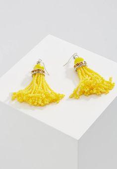 sweet deluxe. SUSANKA - Pendientes - silver-coloured/yellow. Largo:7 cm (talla One Size). Material:metal,plástico. Cierre:gancho y ojo. Detalles:borlas