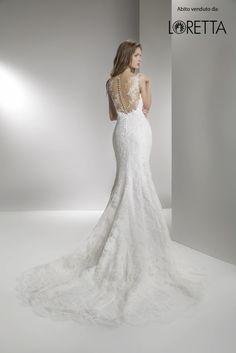 Collezione 2017 | Abito da sposa a sirena con trasparenze e decorazioni sulla schiena #sposa #vestito #matrimonio