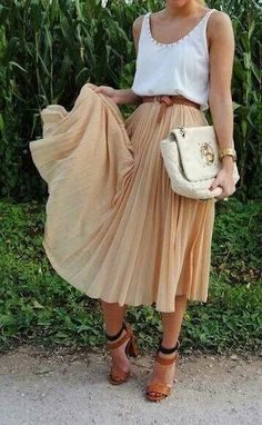 Love this look for summer time! A skirt with a tank or shirt n some heels or sandals