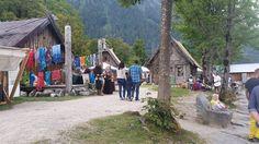 #viking #valravnontour @strega_ingosdottir Wikimarkt in Flake. Klein schön und angenehme Leute. Vikings, Cabin, House Styles, Instagram Posts, Middle Ages, Nice Asses, The Vikings, Cabins, Cottage