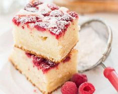 Fluffy raspberry ricotta and lemon with thermomix. Discover the cake recipe, raspberry cotta and lemon raspberry, easy to … Source by Easy Bread Recipes, Banana Bread Recipes, Dessert Aux Fruits, Thermomix Desserts, Healthy Banana Bread, Raspberry Cake, Chocolate Chip Recipes, Lemon Desserts, Cupcake Cakes