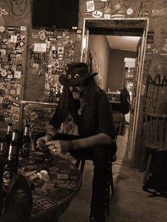 Lemmy Kilmister Dark Pictures, Dark Pics, Best Music Artists, Ronnie Van Zant, Ace Of Spades, Iron Maiden, The Godfather, Zeppelin, Music Stuff