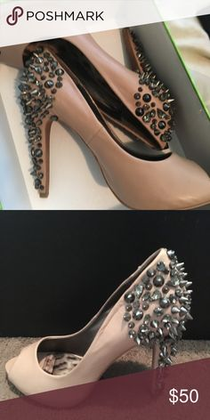 5a028543a Sam Edelman leather pumps size 9.5 Only worn once