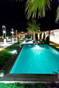 Φως και Ύδωρ. Pools, Club, Places, Outdoor Decor, Home, Courtyards, Ad Home, Homes, Haus
