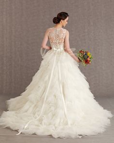 Wedding Dresses - ready to wear & couture bridal gowns, designer wedding dresses & other wedding fashion inspiration Wedding Dress 2013, Western Wedding Dresses, Stunning Wedding Dresses, Perfect Wedding Dress, Designer Wedding Dresses, Bridal Dresses, Beautiful Dresses, Wedding Gowns, Gorgeous Dress