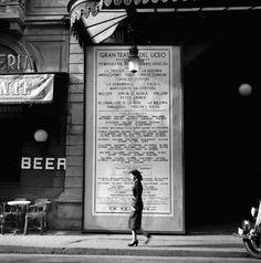 Francesc Català Roca, Cartell del Teatre del Liceu / Poster of the Liceu Theater, Las Ramblas, Barcelona, History Of Photography, Film Photography, Street Photography, Covent Garden, Monochrome Photography, Black And White Photography, Barcelona City, Roca Barcelona, Don Juan