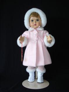 Mariquita Pérez abrigo y botas de invierno. Diseñado y confeccionado por mí.