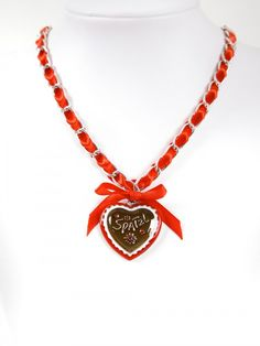 Bavarian necklace red with Spatzl heart pendandt (K29)