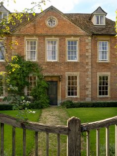 900 English Country Homes Ideas In 2021 English Country House Country House English Manor