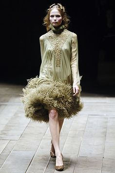 Alexander McQueen | Fall 2006 Ready-to-Wear Collection | Style.com