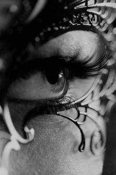 Beautiful Eye with mask Lumiere Photo, Eyes Wide Shut, Fotografia Macro, Tattoo Photography, Beautiful Mask, For Your Eyes Only, Foto Art, Cute Bikinis, Dark Beauty
